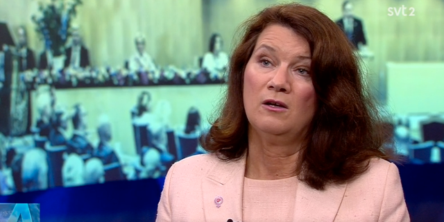 Ann Linde i Aktuelltstudion. SVT