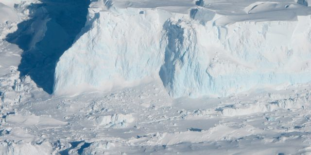 Thwaites Glacier. Wikipedia