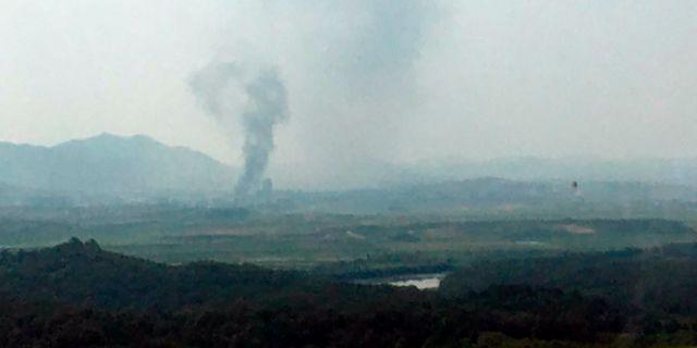 Rökpelare stiger upp från Kaesong. TT NYHETSBYRÅN