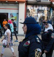 Kvinnliga poliser från en anti-trakasserienhet i Kairo, 2015. Riger Anis / TT NYHETSBYRÅN