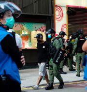 Polisen har gripit en man i Hongkong.  Vincent Yu / TT NYHETSBYRÅN