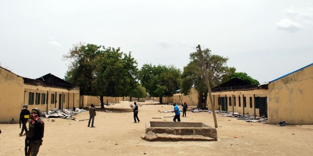 Boko haram tvingar 50 000 att fly