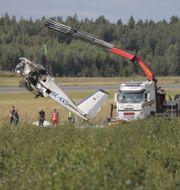 Det kraschade planet bärgas Pavel Koubek/TT / TT NYHETSBYRÅN