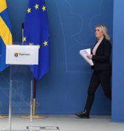 Socialminister Lena Hallengren (S) vid tisdagens pressträff Fredrik Sandberg/TT / TT NYHETSBYRÅN