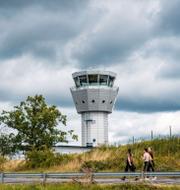 Arkivbilder: Bromma flygplats (t v), Maria Stockhaus (t h). TT