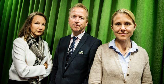Fondförvaltaren Jonas Olavi i mitten.  Emma-Sofia Olsson/SvD/TT / TT NYHETSBYRÅN