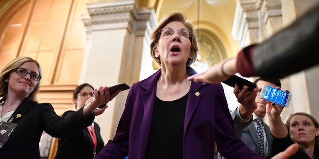 Demokraterna vill kalla fler vittnen. Här senator Elizabeth Warren. MANDEL NGAN / AFP