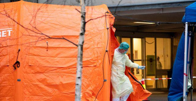 Tält i Oslo för att testa för viruset. Fredrik Hagen / TT NYHETSBYRÅN