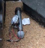 Rörbomben som hittades utanför Republikanernas partihögkvarter.  TT NYHETSBYRÅN