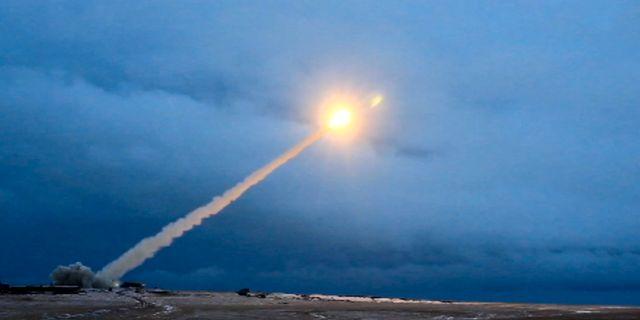 Bild på vad Vladimir Putin 2018 presenterade som deras nya kryssningsrobot. USA misstänker att det var denna som testades. TT NYHETSBYRÅN