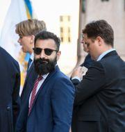 Moderaternas Hanif Bali anländer till riksdagshuset i samband med riksmötets öppnande. Fredrik Sandberg/TT / TT NYHETSBYRÅN
