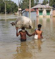 Stora översvämningar i Bangladesh. STRINGER / TT NYHETSBYRÅN