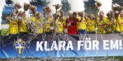Svensk glädje efter 2–1-segern mot Slovakien, som innebar att EM-platsen säkrades. Thomas Johansson/TT / TT NYHETSBYRÅN