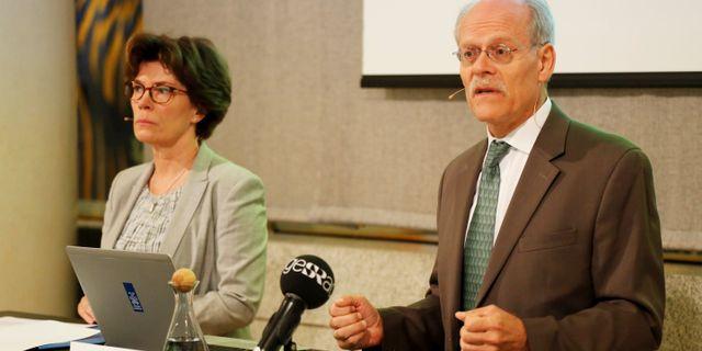 Chefen för riksbankens avdelning för penninpolitiken, Marianne Nessén, och riksbankschefen Stefan Ingves. Arkivbild. Christine Olsson/TT / TT NYHETSBYRÅN
