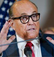Rudy Giuliani under torsdagens presskonferens. Jacquelyn Martin / TT NYHETSBYRÅN