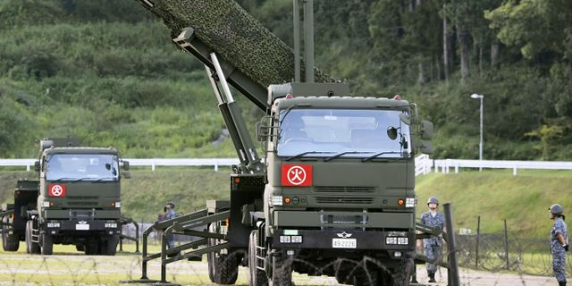 PAC-3 aktiveras på en militärbas på Kochi under lördagen.  Ryosuke Ozawa / TT NYHETSBYRÅN