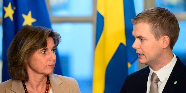 MP-språkrören Isabella Lövin och Gustav Fridolin. Henrik Montgomery/TT / TT NYHETSBYRÅN