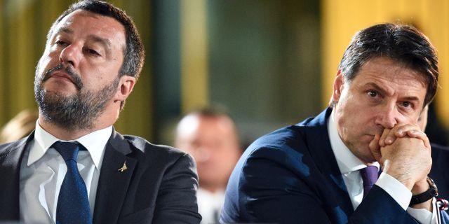 Legas ledare Matteo Salvini och premiärminister Guiseppe Conte.  Guglielmo Mangiapane / TT NYHETSBYRÅN