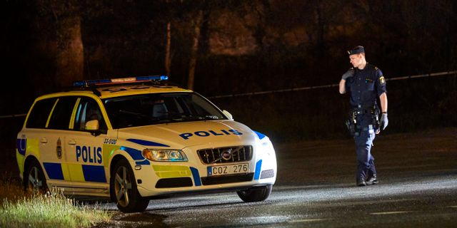 Polisen vid brottsplatsen.  Fredrik Persson /TT / TT NYHETSBYRÅN