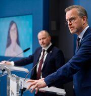 Märta Stenevi (MP), justitieminister Morgan Johansson (S) och Mikael Damberg (S) Henrik Montgomery /TT / TT NYHETSBYRÅN