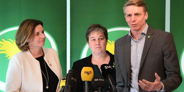 Isabella Lövin, Emma Nohrén och Per Bolund när Miljöpartiet på fredagen presenterade valberedningens förslag att Bolund tar över som språkrör efter Gustav Fridolin. Jonas Ekströmer/TT / TT NYHETSBYRÅN