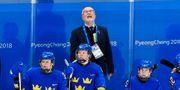Leif Boork i båset under kvartsfinalen mot Finland. Jonas Ekströmer/TT / TT NYHETSBYRÅN