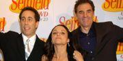 Jerry Seinfeld, Julia Louis Dreyfus och Michael Richards. De som är skådespelare i serien. Arkivbild. LOUIS LANZANO / AP