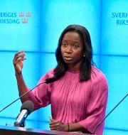 Mats Persson, Nyamko Sabuni och Gulan Avci. Jessica Gow/TT / TT NYHETSBYRÅN