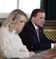 Socialminister Lena Hallengren och statsminister Stefan Löfven. Stina Stjernkvist/TT / TT NYHETSBYRÅN