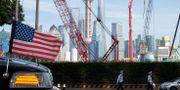 Amerikansk flagg på ambassadbil i Shanghai. Illustrationsbild. Ng Han Guan / TT NYHETSBYRÅN