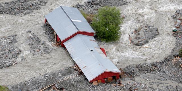 Krisen vaxer efter oversvamningar