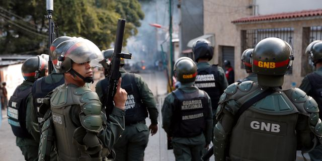 Nationalgardet i Caracas.  Carlos Garcia Rawlins / TT NYHETSBYRÅN