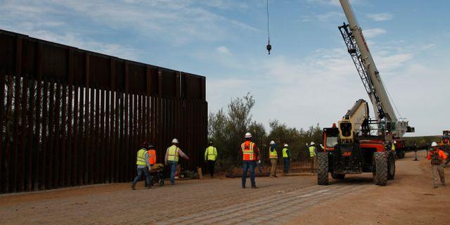 Konstruktion pågår väster om Santa Teresa i New Mexico, USA.  Cedar Attanasio / TT NYHETSBYRÅN