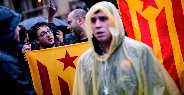 Demonstranter i Barcelona som vill se ett katalanskt självstyre. PAU BARRENA / AFP
