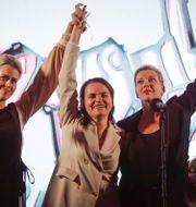 Oppositionspolitikerna Veronika Tsepkalo, Svetlana Tichanovskaja och Maria Kolesnikova. Arkivbild. Sergei Grits / TT NYHETSBYRÅN