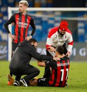 Zlatan Ibrahimovic i samband med skadan i gårdagens match. CIRO DE LUCA / BILDBYRÅN