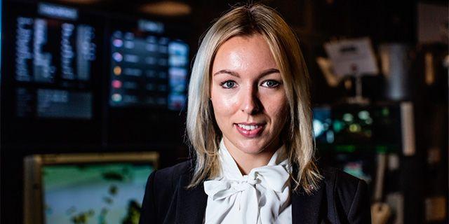 Maria Andersson, civilingenjör på Saab och reservofficer i Försvarsmakten.   Johan Strindberg