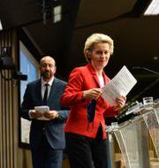 Europeiska rådets ordförande Charles Michel och Ursula von der Leyen. Johanna Geron / TT NYHETSBYRÅN