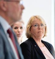 Irene Svenonius (till höger) på tidigare pressträff.  Pontus Lundahl/TT / TT NYHETSBYRÅN