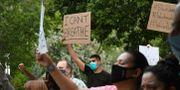 Protester mot Floyds död i Colorado.  Chelsea Self / TT NYHETSBYRÅN