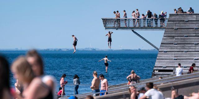 Sundspromenaden i Malmö i söndagens sommarvärme. Johan Nilsson/TT / TT NYHETSBYRÅN