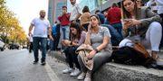 Skalvet fick människor att spontant evakuera byggnader. OZAN KOSE / AFP
