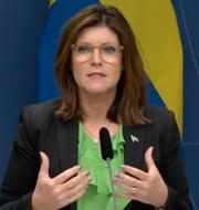 Eva Nordmark under dagens pressträff. Regeringens direktsändning