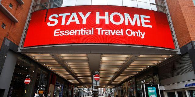 Britter uppmanas att undvika resor. Martin Rickett / TT NYHETSBYRÅN