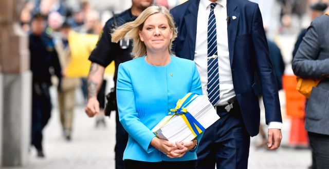 Arkivbild: Finansminister Magdalena Andersson under budgetpromenaden september 2020.  Jessica Gow/TT / TT NYHETSBYRÅN