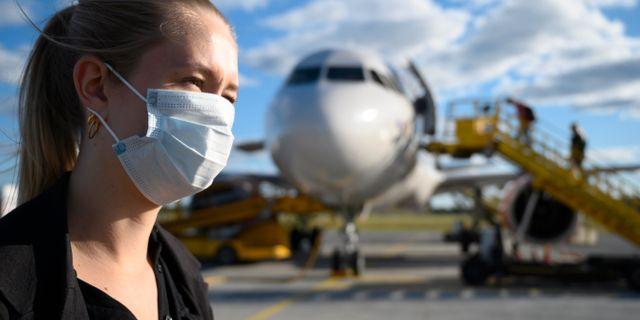 Till exempel kan munskydd användas till och från flygplatser. Henrik Montgomery/TT / TT NYHETSBYRÅN