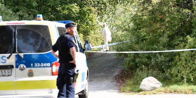 Polisen på plats i Tensta 7 augusti där en man sköts ihjäl. Henrik Montgomery/TT / TT NYHETSBYRÅN