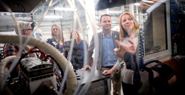 Annie Lööf på besök hos Powercell Sweden, som har gått dåligt på First North 25 i år. Björn Larsson Rosvall/TT / TT NYHETSBYRÅN