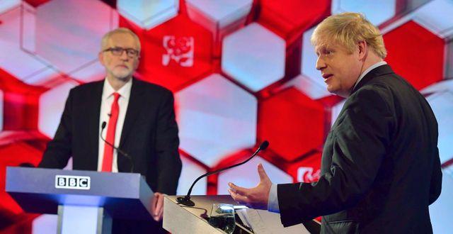 Jeremy Corbyn och Boris Johnson.  Jeff Overs / TT NYHETSBYRÅN