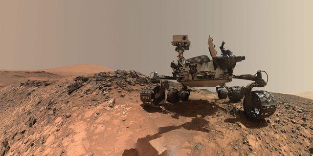 Curiosity HANDOUT / NASA